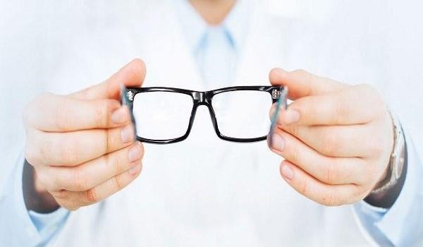 ΕΟΠΥΥ: Συνεχίζεται το αλαλούμ με τις αποζημιώσεις γυαλιών οράσεως – Τι ισχύει τελικά