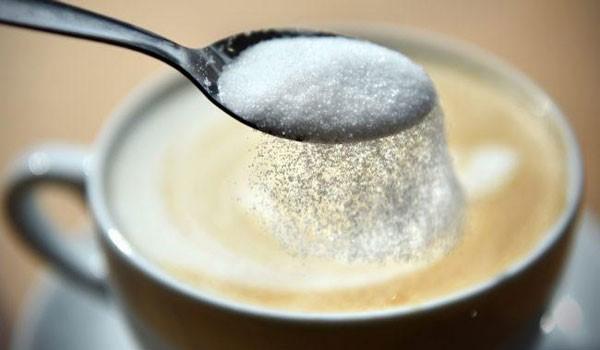 Οι επιστήμονες προειδοποιούν: Καταστροφικά για την υγεία τα γλυκά ροφήματα